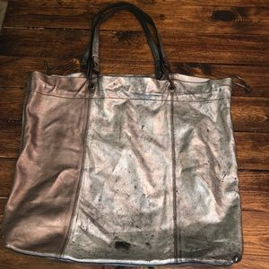 BURBERRY DISTRESSED TOTE
